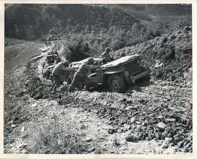 1944-10-10-italy-jeep-mud1