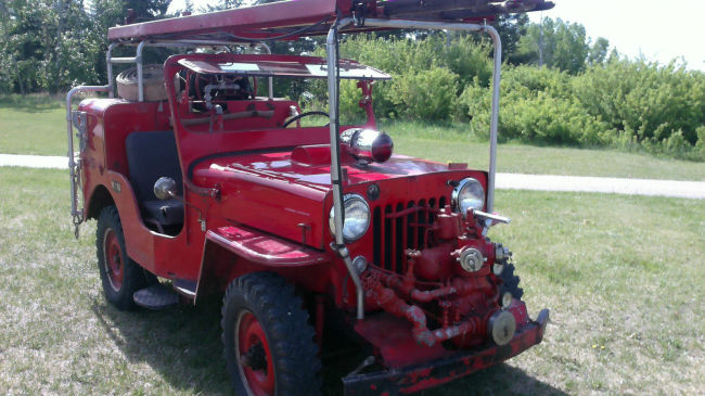 1954-cj3b-howefirejeep-calgary0