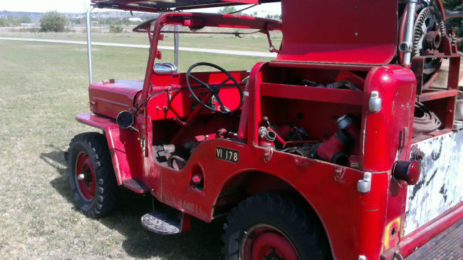 1954-cj3b-howefirejeep-calgary1