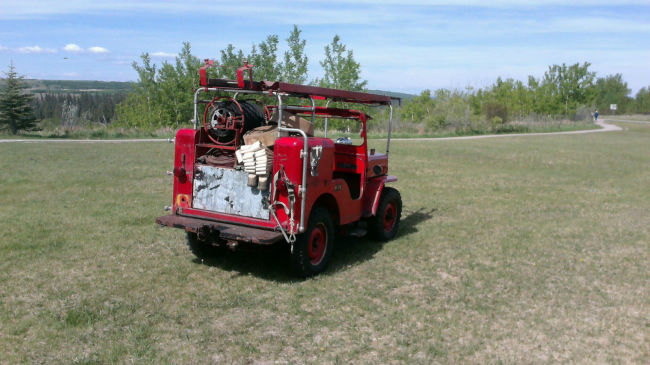 1954-cj3b-howefirejeep-calgary4