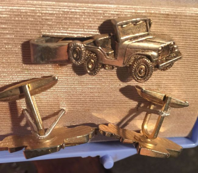 cufflink-and-tieclip-set