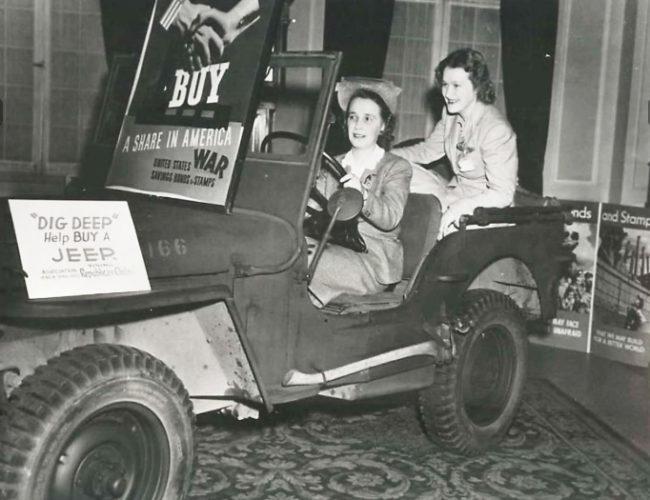 1943-05-14-bond-drive-young-republicans1
