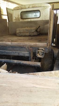 1951-truck-hemet-ca3