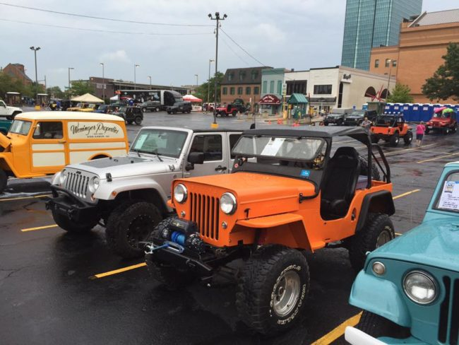 2016-toledo-jeepfest-bob-christy-parade6