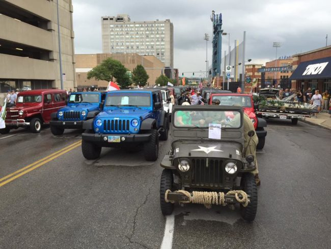 2016-toledo-jeepfest-bob-christy-parade8