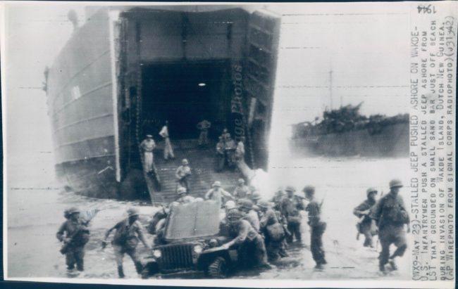 1944-05-23-wake-island-stalled-jeep