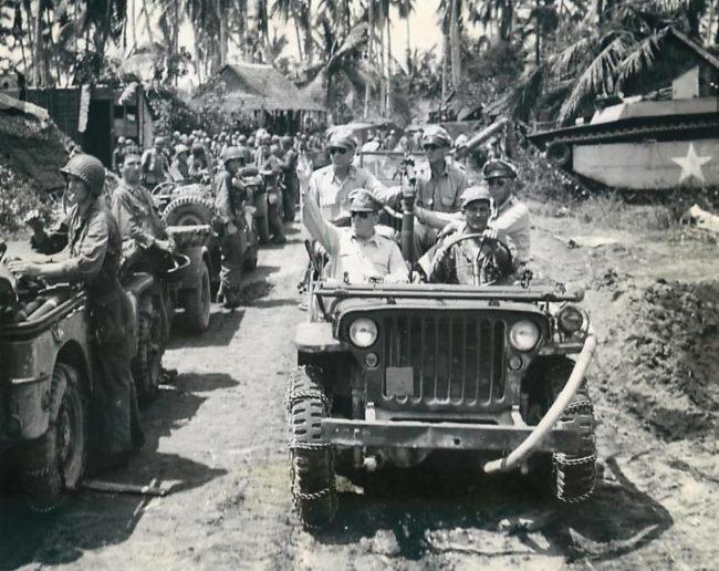 1944-10-29-mcarthur-leyte1