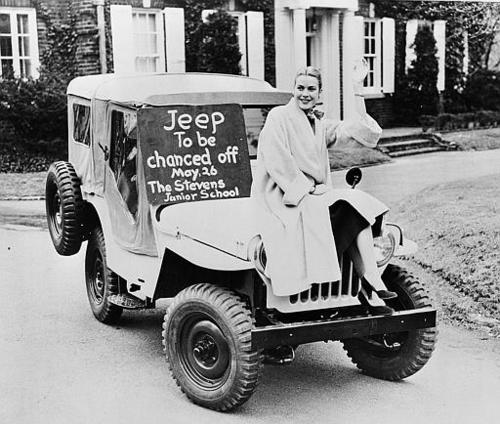 Actress Grace Kelly helps her old school, Stevens Junior School, raise funds, in 1953. (AP Photo/Philadelphia Bulletin)