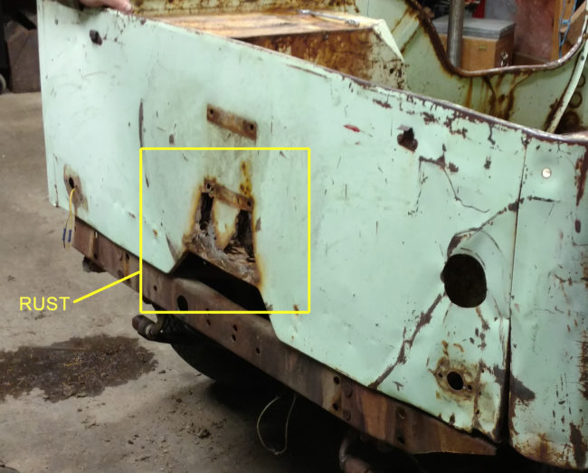2016-10-09-rusty-rear-panel