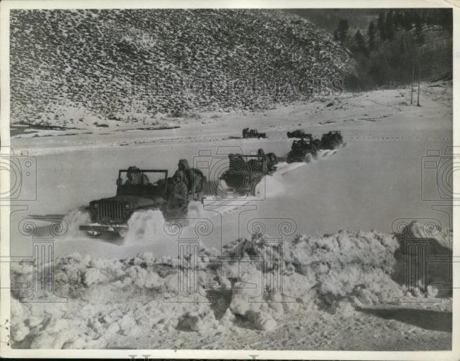 1943-12-18-alaska-jeeps1