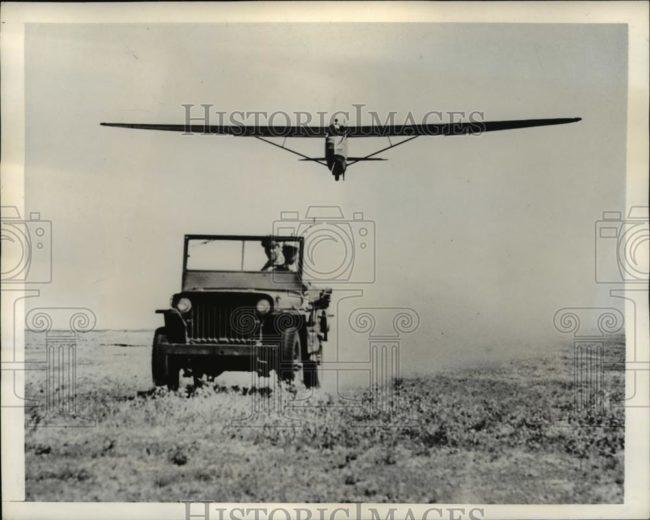 1942-07-15-mb-slat-pulling-glider1
