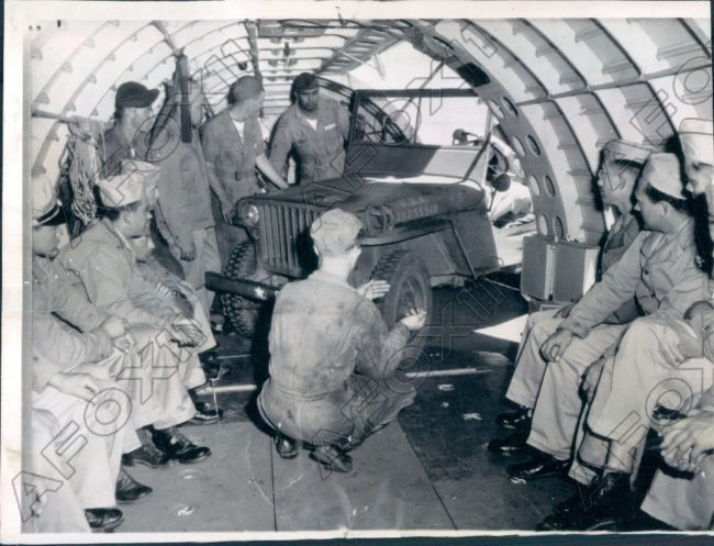 1943-07-29-loading-jeep1