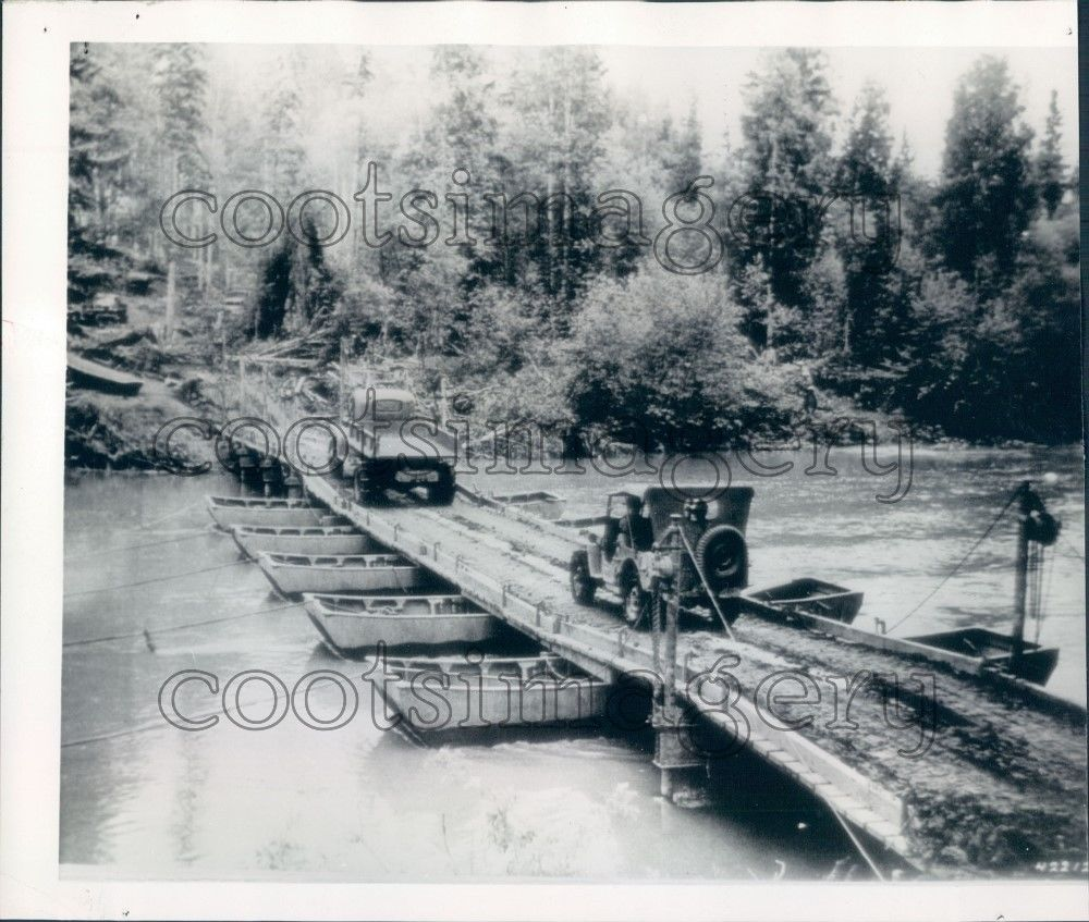 1942-photo-alaska-highway-pontoon1
