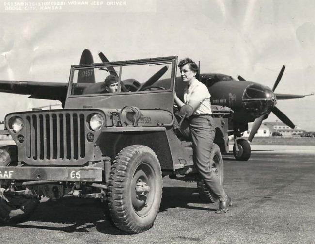 1943-10-22-anna-weiss-jeep1