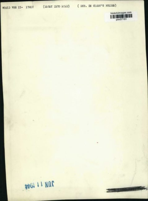 1944-06-11-general-mark-clark-in-rome2