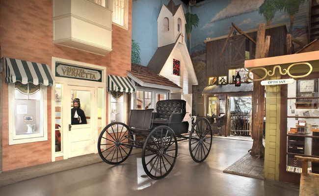 Museum-Street-Scene-with-Wagon_small