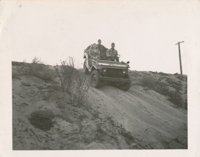 1940s-photo-fordgp-sand