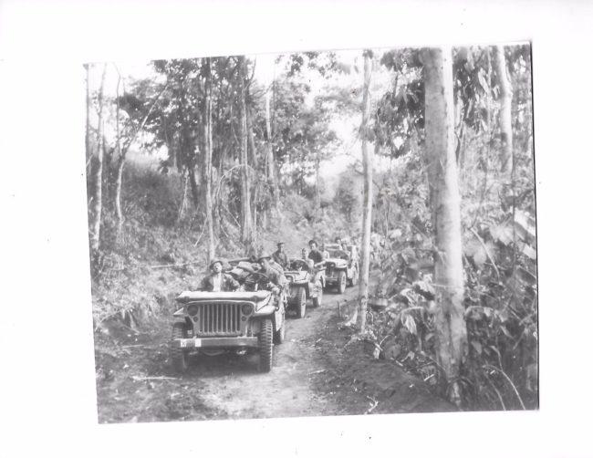 1942-11-16-newguinea-jeeps1