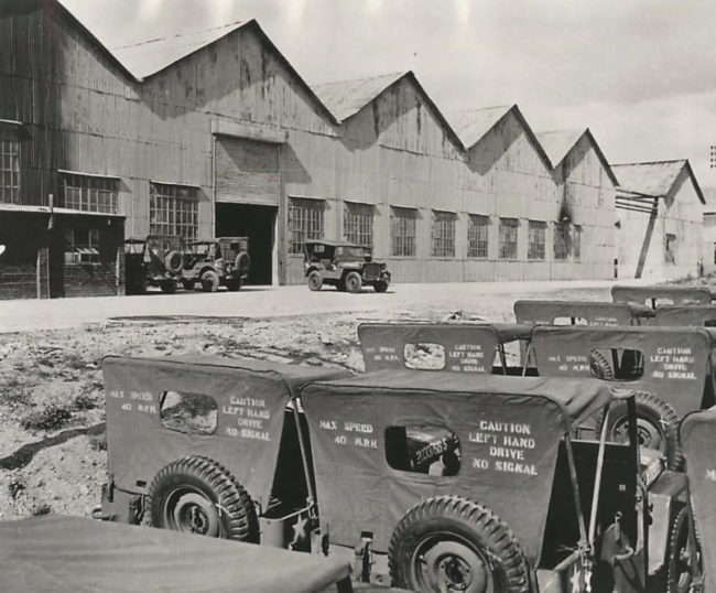 1943-11-03-jeeps-off-assembly-line1