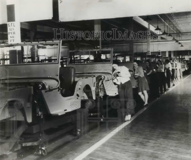 1945-07-26-cj2as-on-production-line1