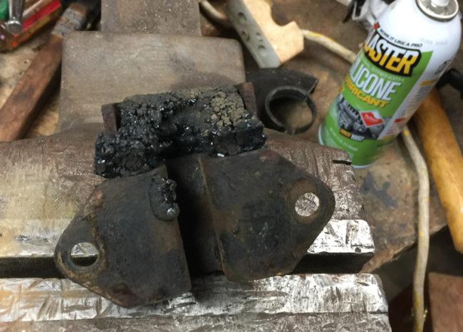 engine-mount-melted2