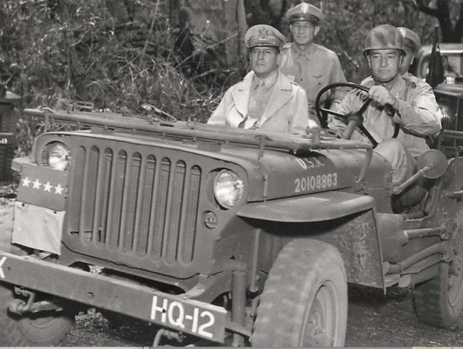 1944-02-17-mcarthur-newguinea1