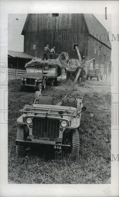 1945-07-19-jeep-farming-press-photo1