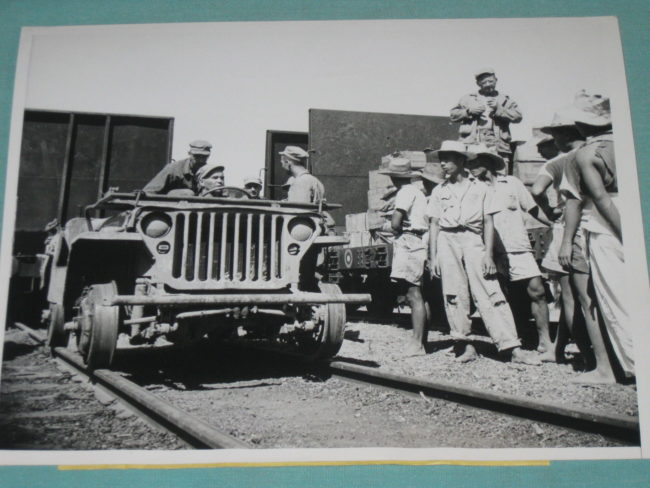 1945-01-26-luzon-jeep-train1