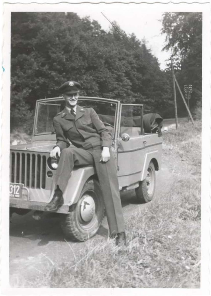 1951-09-30-bill-warren-modified-jeep-germany1