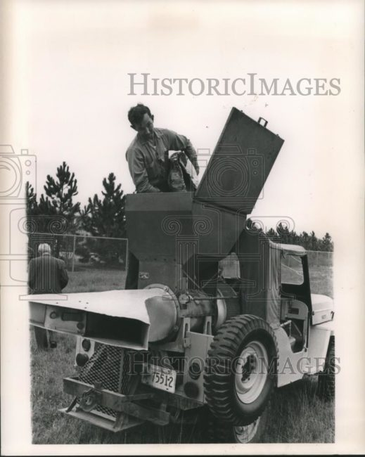 1963-01-06-cj3b-sprayer1
