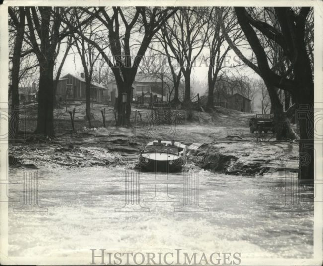 1942-04-10-seep-ohio-river1