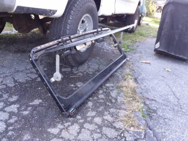 cj5-ventilating-windshield-mountville-pa