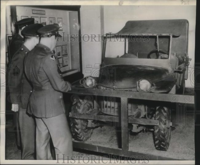 1944-04-20-bantam-brc60-smithsonian1