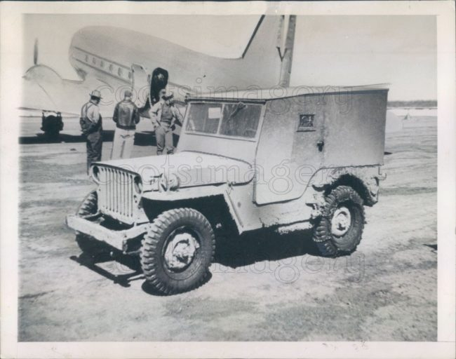 1944-08-20-alaska-jeep-wood-top1