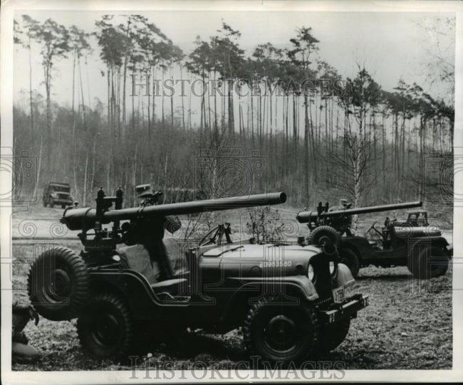 1954-04-m38a1-105mm1