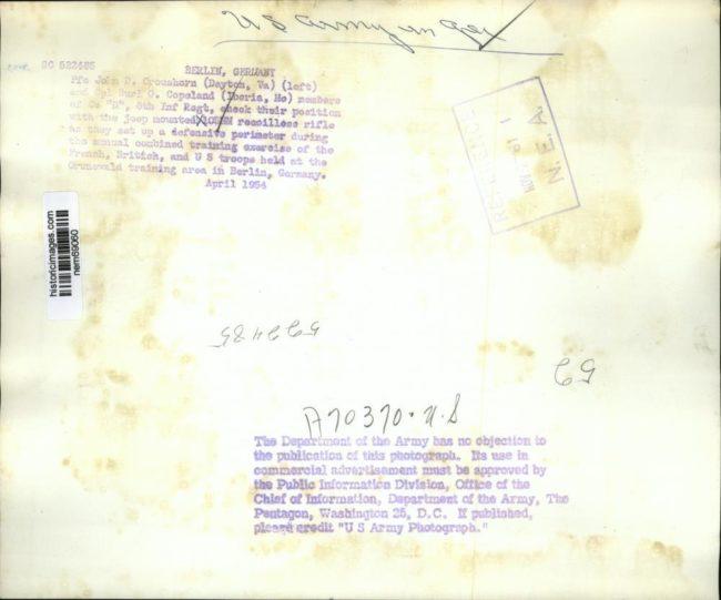 1954-04-m38a1-105mm2