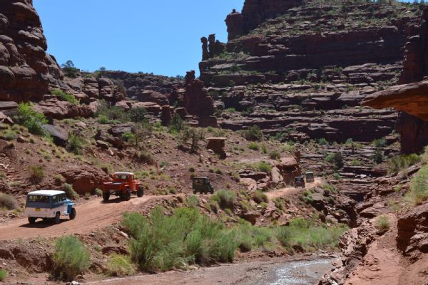 2017-four-wheeler-article-willys-moab-run
