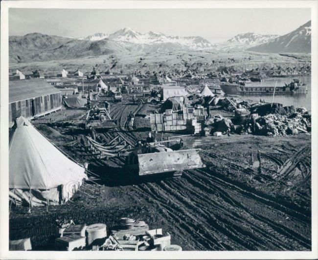1943-12-26-tent-city-alaska1