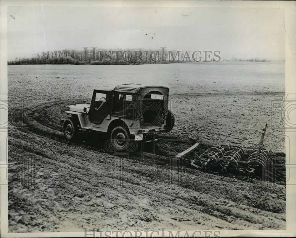 1945-07-10-cj2a-press-photo1