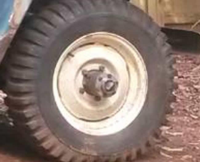 hub-lok-dana-company-on-truck1