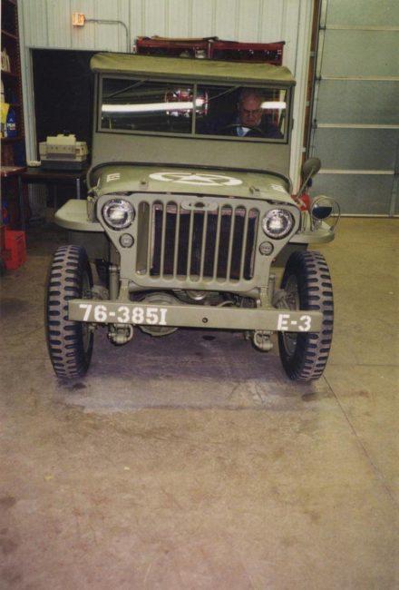1945-mb-whitebear-mn1