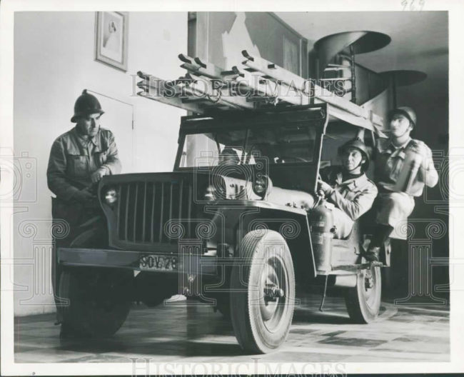 1952-11-24-vatican-fire-jeep1