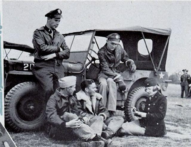 f2af017c43b5cdc048a22167f238668f--jeep-uniform