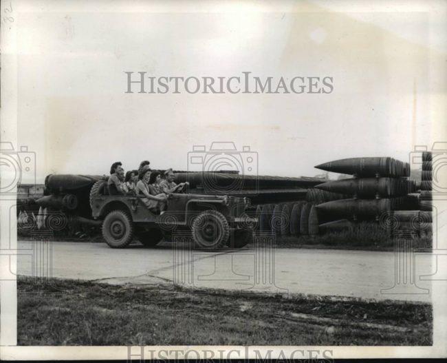 1942-06-06-bantam-brc40-shells1
