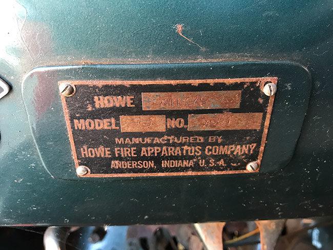 1952-fire-truck-ca7-lores