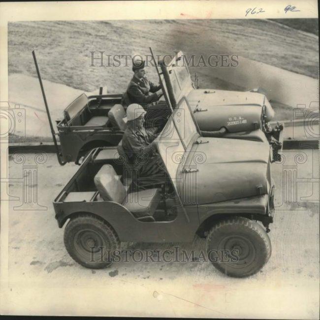 1953-12-16-bobcat-m38a1-1
