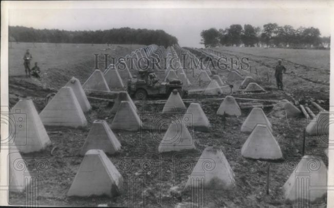 1944-09-20-crossing-sigfield-line1