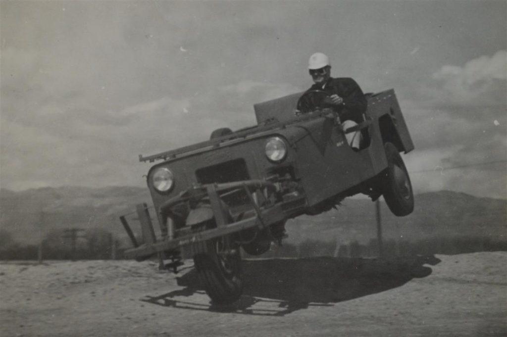 1948-3-wheel-davis-car2