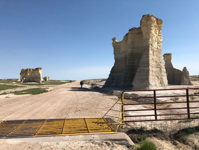 2018-06-03-monument-rocks3