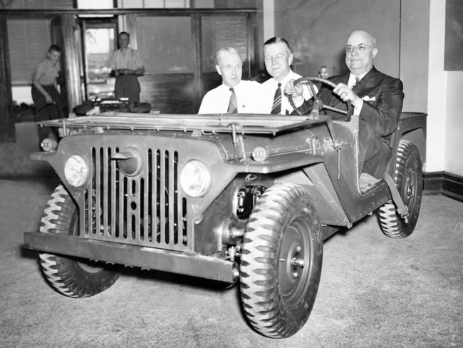 Henry-Kaiser-in-Jeep 2